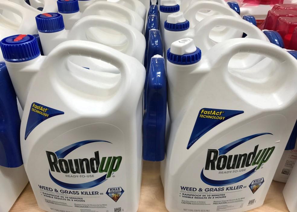 Herbicidas Roundup, da Monsanto — Foto: Arquivo/Mike Blake/Reuters