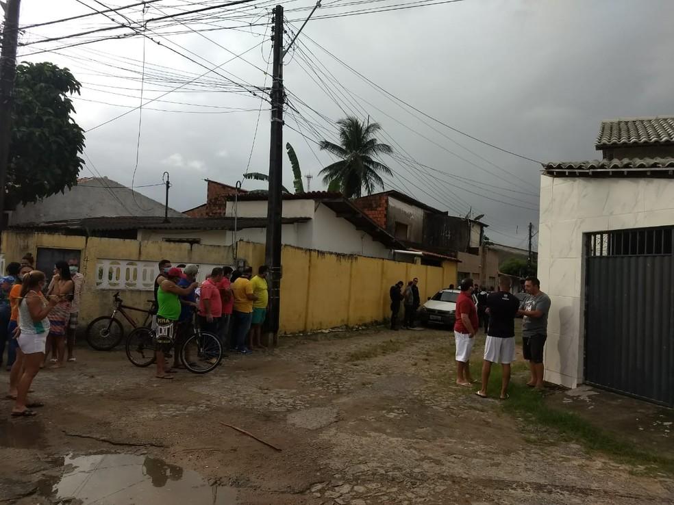 PM foi morto a tiros durante tentativa de assalto em Fortaleza. — Foto: Brenda Albuquerque/SVM
