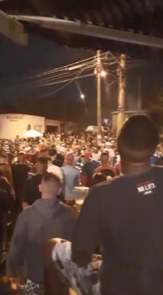 'Pancadão' reúne aglomeração de pessoas com som alto no Parque Oziel em Campinas