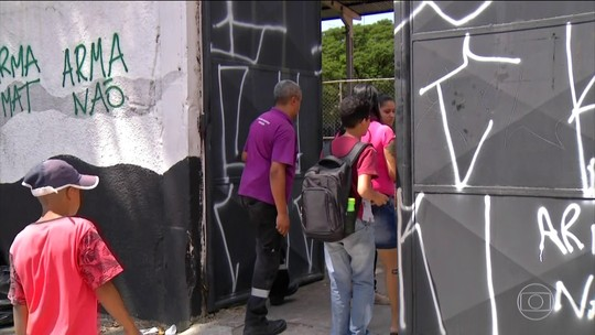 Escola retoma rotina treze dias depois do massacre em Suzano