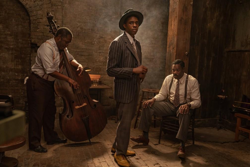 Michael Potts, Chadwick Boseman e Colman Domingo em imagem de 'A voz suprema do blues' — Foto: David Lee/Netflix