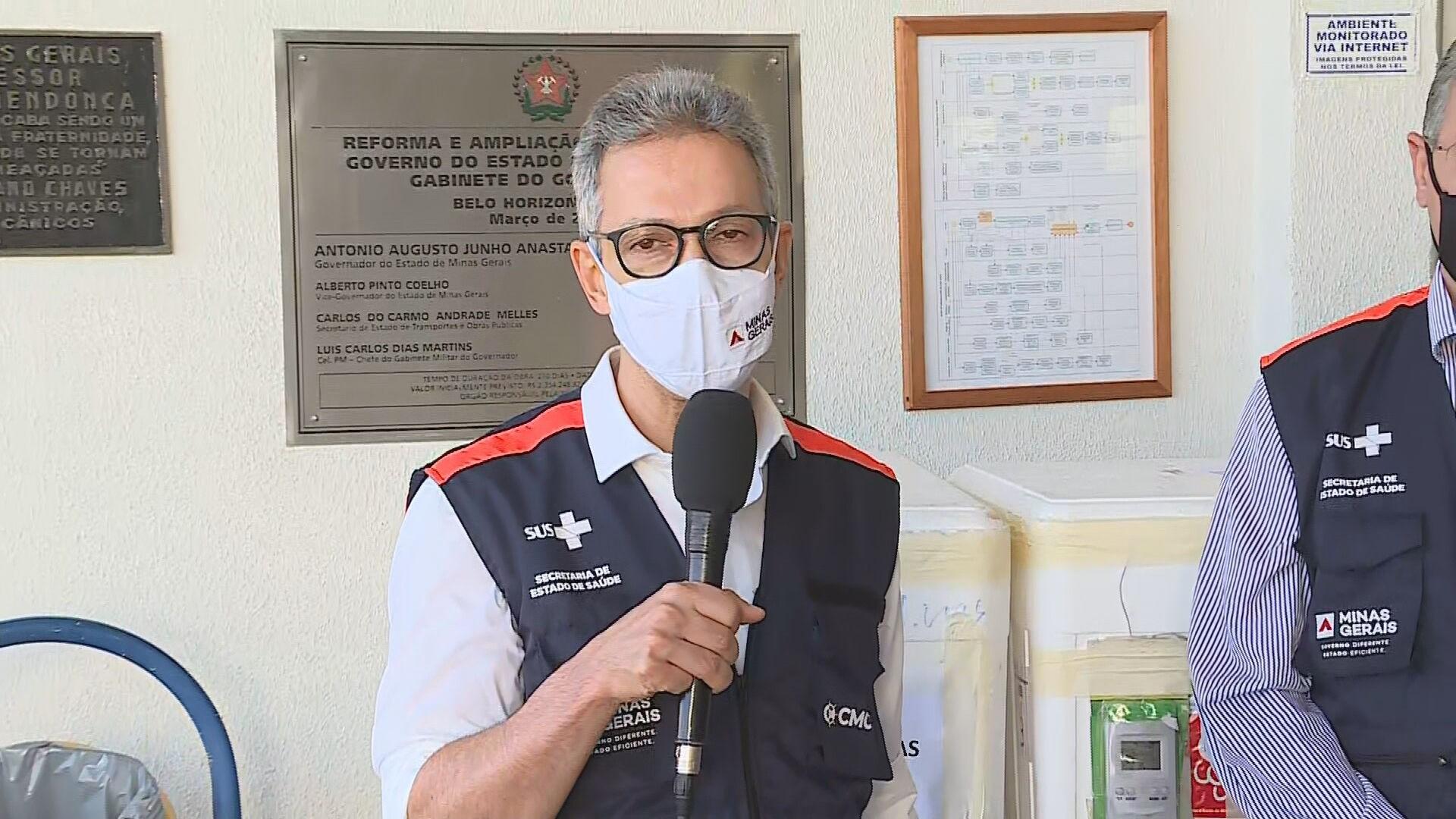 Vacinação nas 853 cidades de MG começa na tarde desta terça-feira, diz governador Romeu Zema