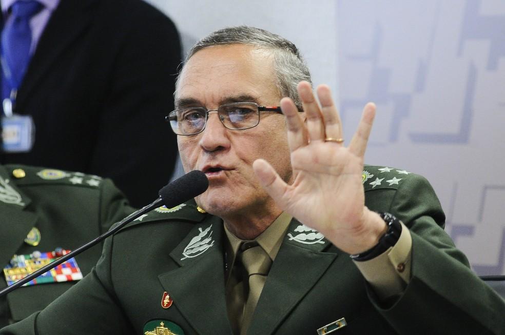 """O comandante do Exército, general Eduardo Villas Bôas, diz que atuação de militares no desbloqueio de rodovias é negociar para """"evitar conflitos"""". (Foto: Geraldo Magela/Agência Senado)"""
