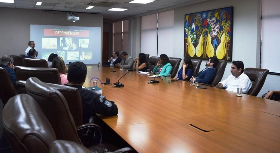 Representantes dos órgãos estiveram na reunião e se mostraram favoráveis à iniciativa do Judiciário de Mato Grosso — Foto: Tribunal de Justiça de Mato Grosso/Assessoria