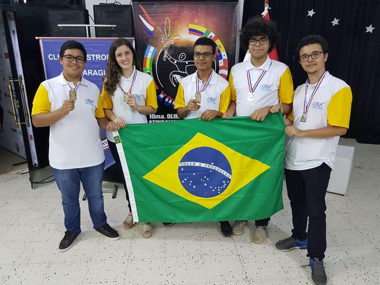 Jovens ganharam 5 medalhas na Olimpíada de Astronomia (Foto: Divulgação)