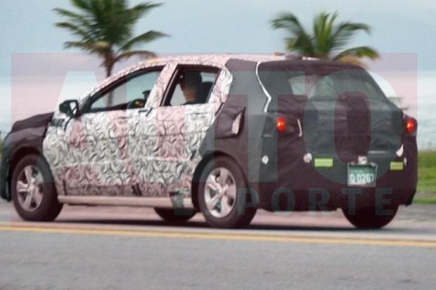 Novo Chevrolet Onix tem lanternas espichadas  (Foto: Oswaldo Palermo/Autoesporte)
