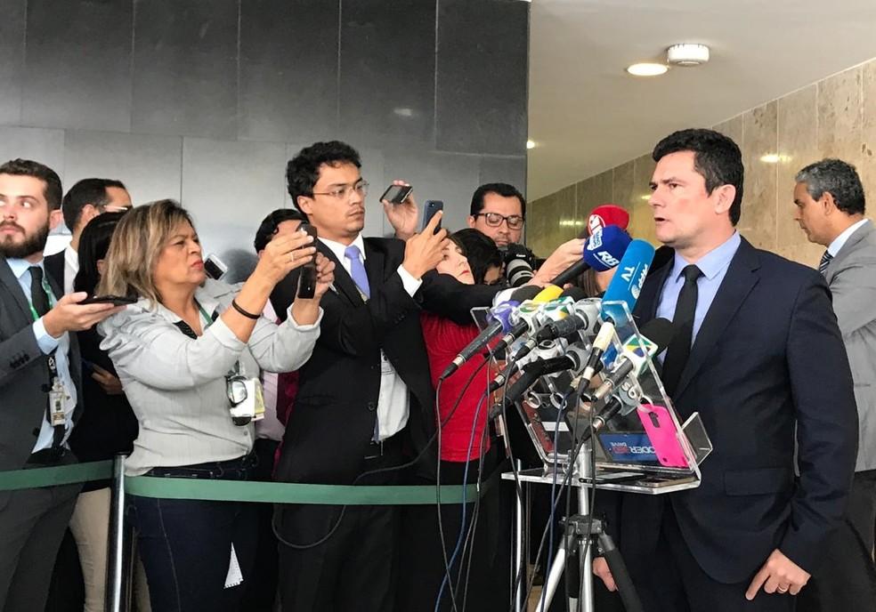 O ministro da Justiça e Segurança Pública, Sérgio Moro, durante entrevista no Palácio do Planalto nesta terça-feira (19) — Foto: Guilherme Mazui/G1