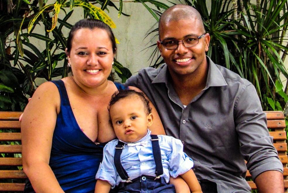 Luana junto com marido e filho de seis anos — Foto: Lucas Felipe/ Arquivo Pessoal
