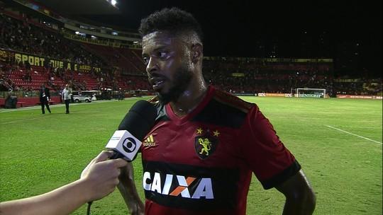"""Michel Bastos diz que espera ter mais tempo de jogo: """"Quem decide é o treinador"""""""