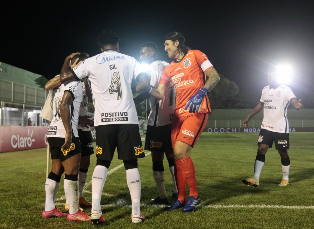 Jogadores do Corinthians comemoram gol contra o Retrô — Foto: Rodrigo Coca/Agência Corinthians