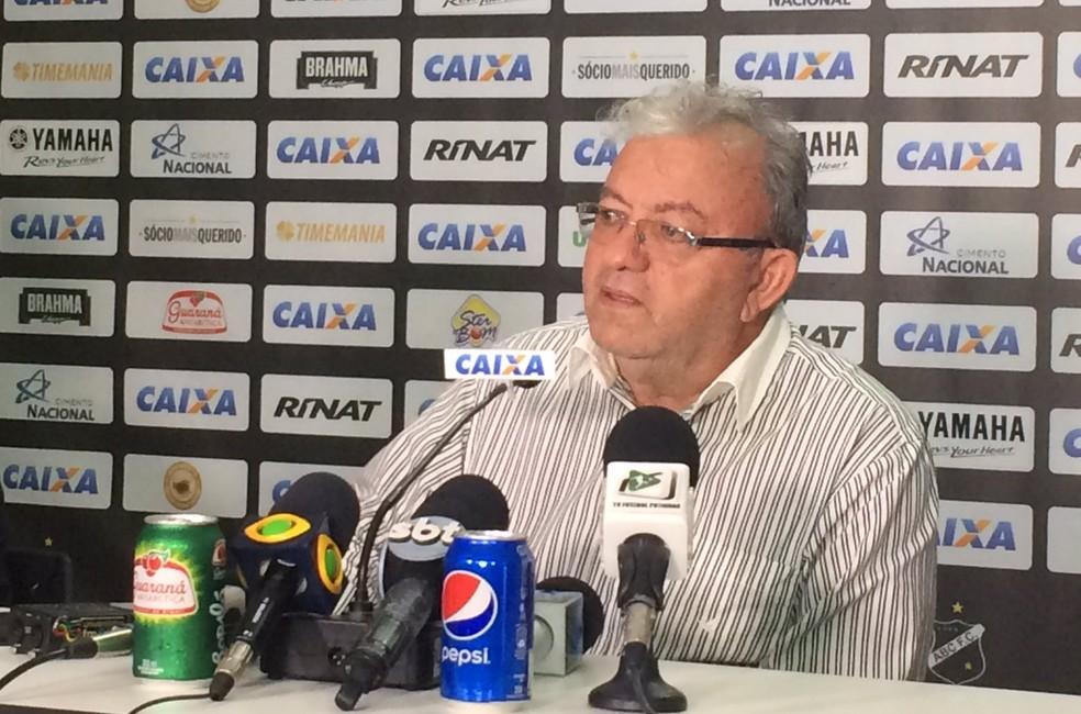 Judas Tadeu, presidente do ABC, ainda não definiu nome do novo técnico  (Foto: Leonardo Erys/GloboEsporte.com)