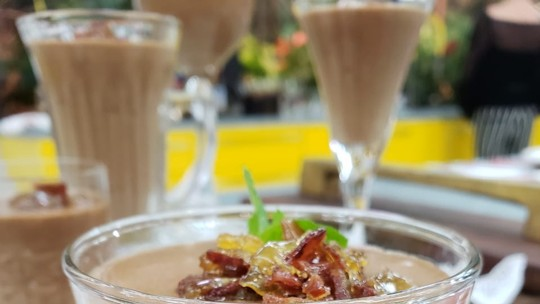 Musse de Chocolate com Bacon Crocante com Caramelo
