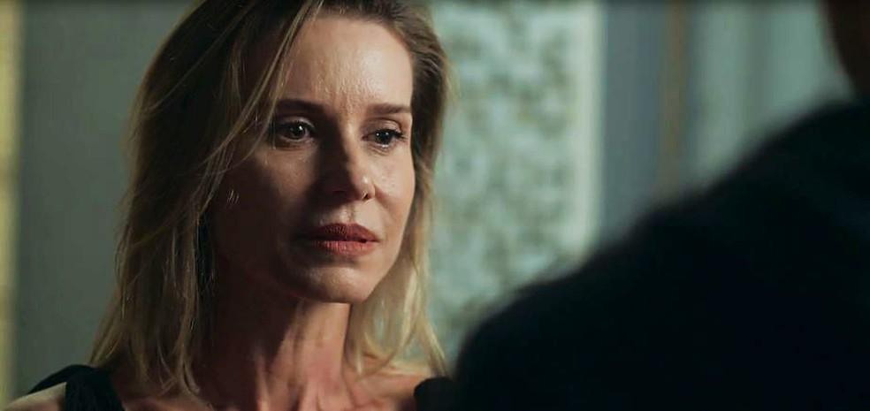 Letícia (Paula Burlamarqui) pede para Benjamin (Filipe Bragança) não procurá-la mais  — Foto: Globo