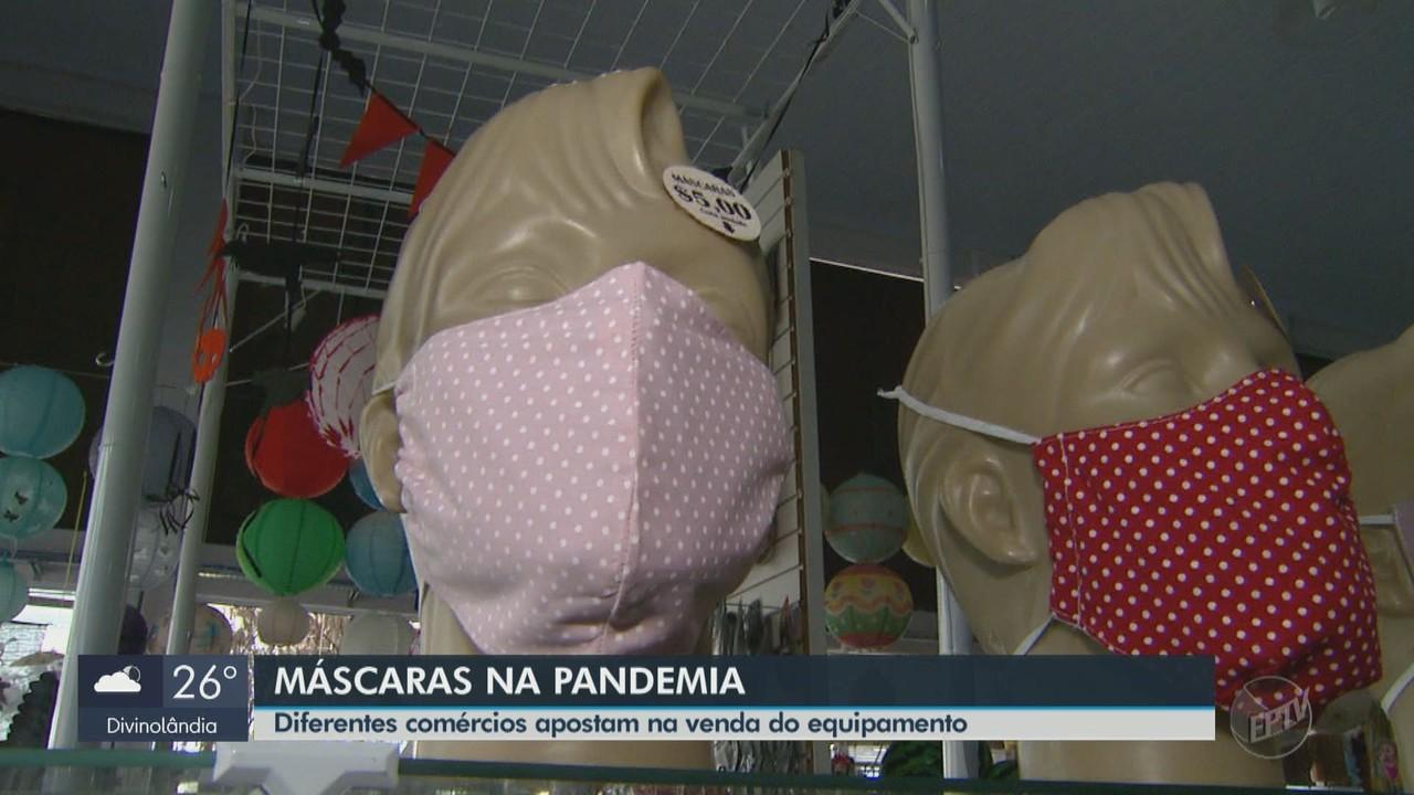 Diferentes comércios apostam na venda de máscaras em São Carlos