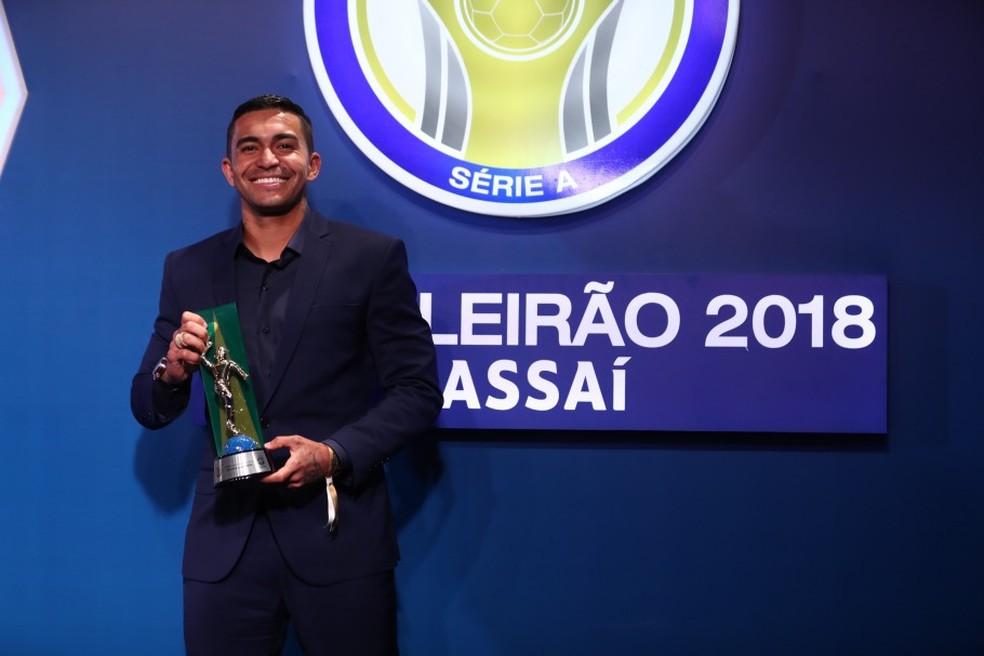 Dudu leva prêmio de Craque do Brasileirão de 2018 â?? Foto: Lucas Figueiredo/CBF