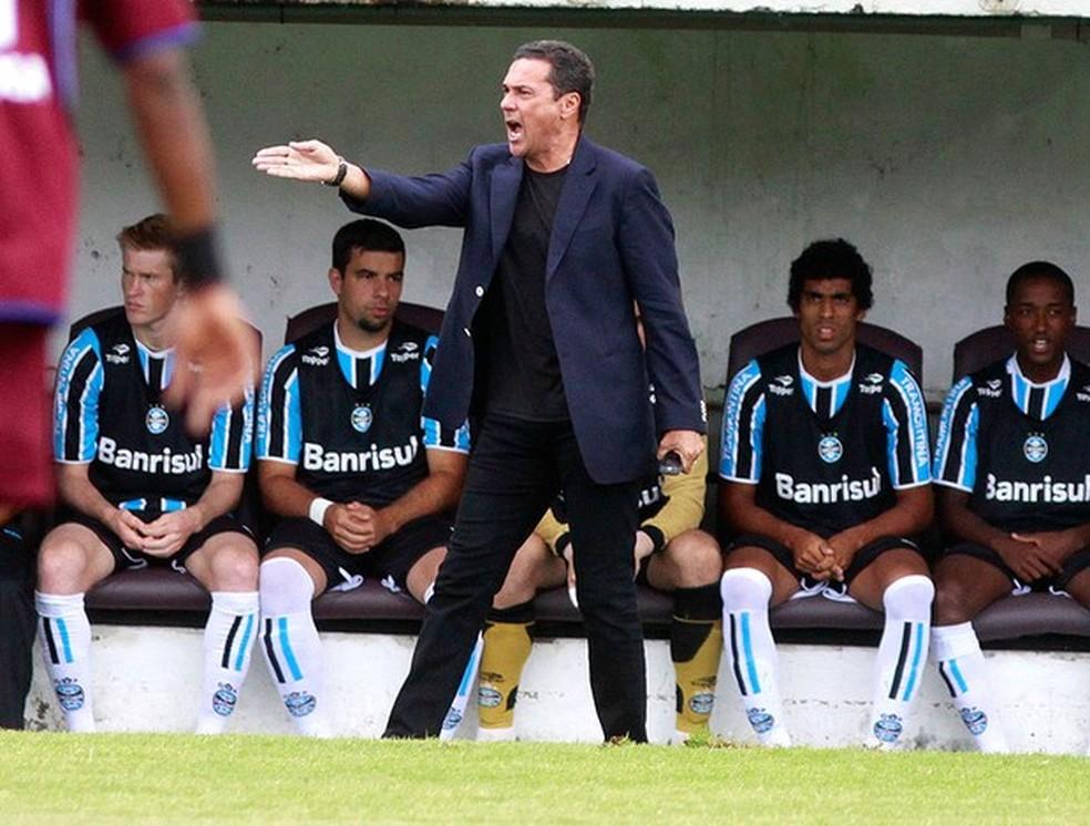 Luxembugo não levantou nenhuma taça no Grêmio — Foto: Wesley Santos / PressDigital