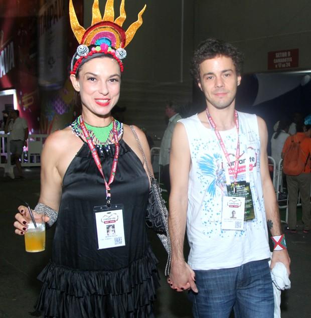 Maria Paula e namorado (Foto: Marcello Sá Barretto / Brazil News)