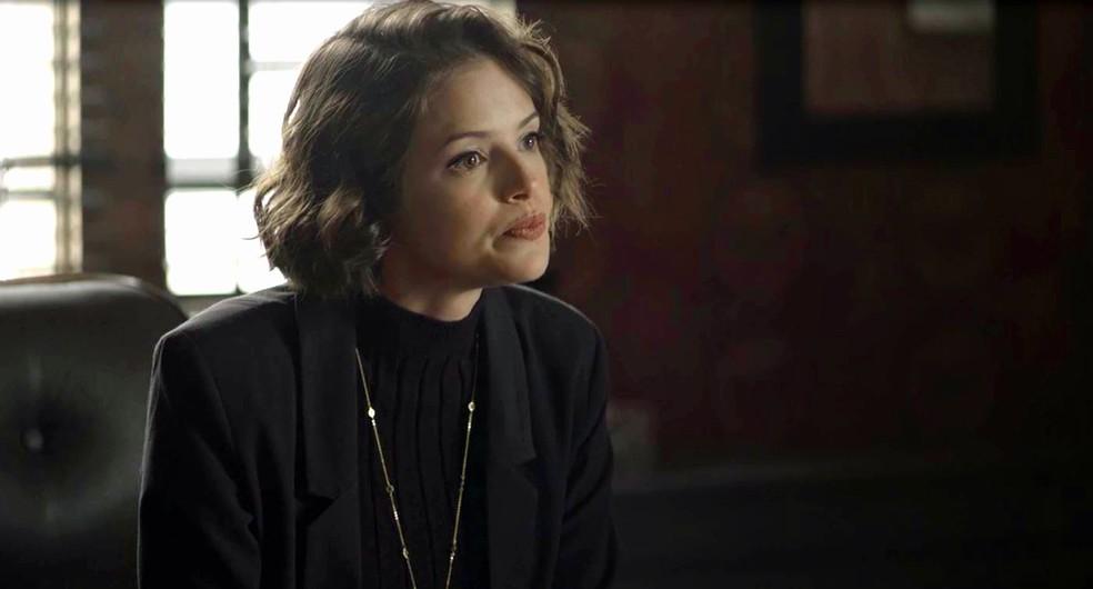 Josiane (Agatha Moreira) impõe condição para ajudar Gladys (Nathalia Timberg), em 'A Dona do Pedaço' — Foto: Globo