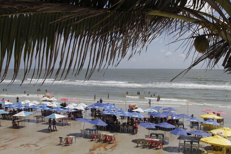 Praia do Atalaia é um dos destinos mais procurados do verão no Pará — Foto: Cesar Perrari