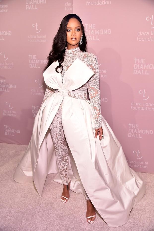 Rihanna promove baile em Nova York (Foto: Getty Images)