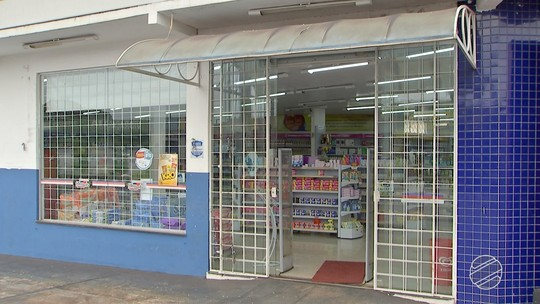 Ladrão rende funcionários e rouba farmácia em Campo Grande