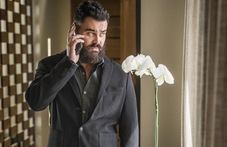 Na sexta (17), Paul conhecerá Miguel (Paulo Betti) e Rania (Eliane Giardini) e dirá a eles que deseja se casar com Camila Rede Globo / Paulo Belote