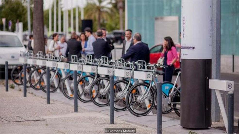 Bicicletas elétricas vêm se tornando meio de transporte alternativo em grandes cidades — Foto: Siemens Mobility/BBC