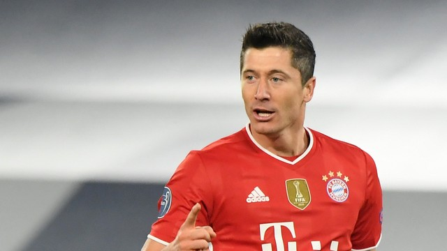Robert Lewandowski se torna o terceiro maior goleador da Champions League