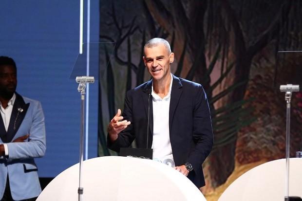 Guga recebe o prêmio de Ícone GQ no MOTY 2018 (Foto: Roberto Filho)