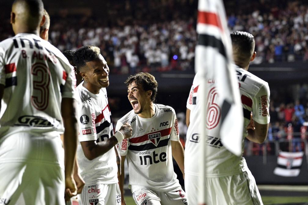 Igor Gomes comemora gol do São Paulo contra a LDU — Foto: Marcos Ribolli