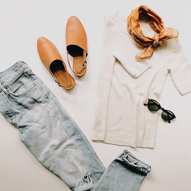 Ter um armário minimalista é ter só roupas que você ama e usa no armário (Foto: Instagram / @caroline_joy)