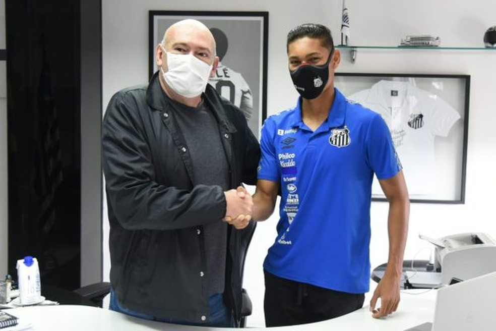 Vinícius Balieiro renova contrato com o Santos até dezembro de 2025 — Foto: Ivan Storti/Santos FC