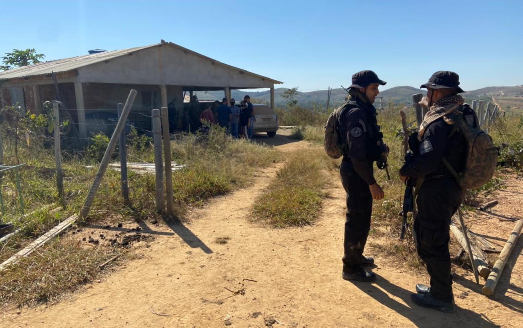Policiais periciaram chácara onde houve troca de tiros e Lázaro Barbosa possivelmente esteve, diz força-tarefa