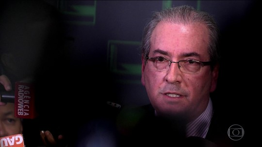Ex-presidente da Caixa diz que Cunha pressionava por financiamentos