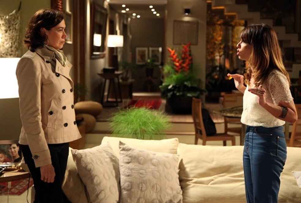 Danielle (Maria Ribeiro) diz a Maria Marta (Lilia Cabral) que todo mundo a odeia - 'Império' — Foto: Carol Caminha/Globo