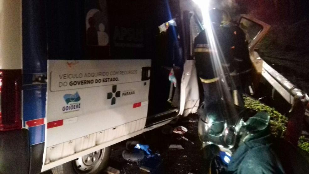 Acidente ocorreu na manhã desta quarta-feira (19), em Balsa Nova  (Foto: Divulgação/PRF)