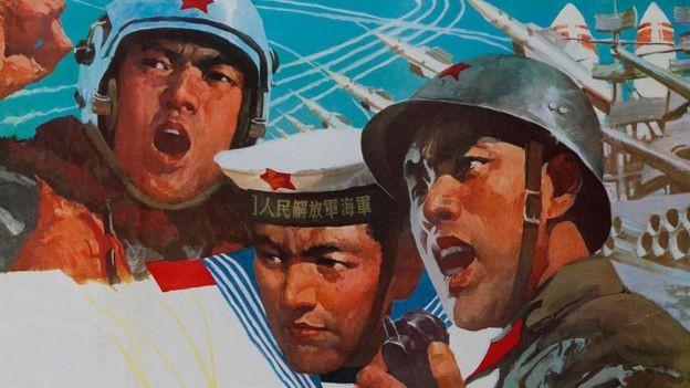 Na redes sociais chinesas, a guerra comercial está sendo retratada como uma questão militar (Foto: Getty Images via BBC News Brasil)