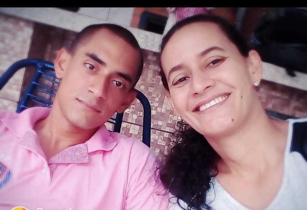 Rodrigo Claro e a mãe, Patrícia Claro — Foto: Arquivo pessoal