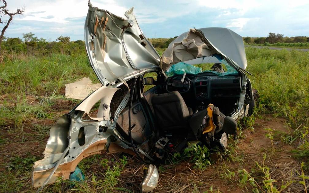Motorista foi socorrido para hospital e tem estado de saúde estável (Foto: Edivaldo Braga/Blogbraga)