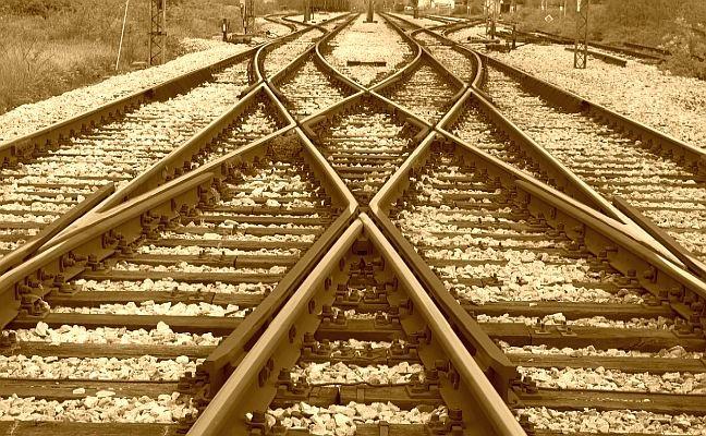 Rumo, caminho, destino, encruzilhada, trem, trilhos, estrada de ferro (Foto: Pixabay)