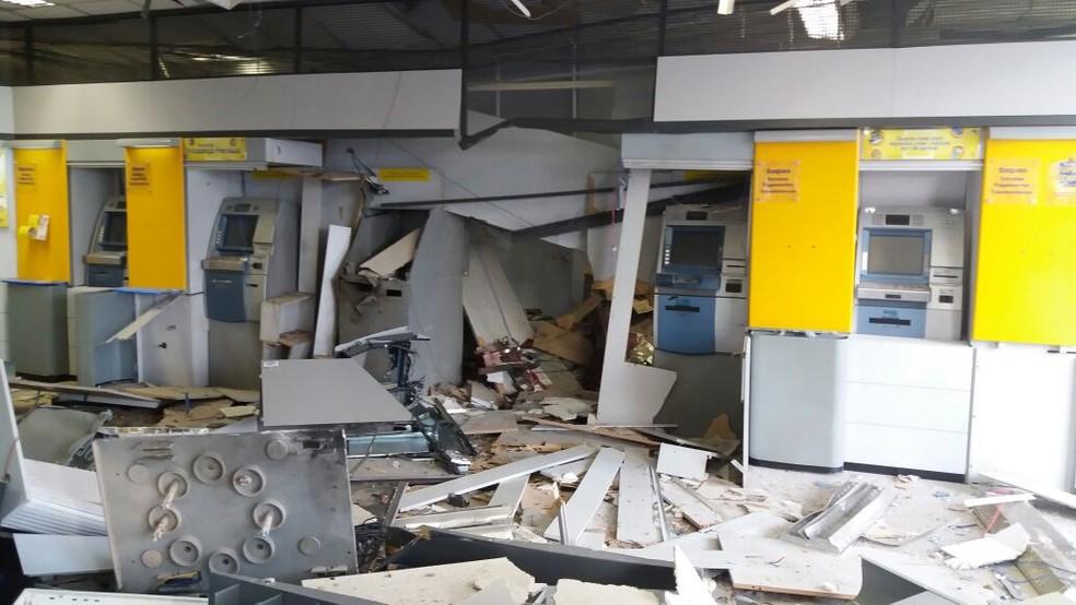 Terminais violados em agência do Banco do Brasil no RN  (Foto: Marksuel Figueredo / Inter TV Cabugi)