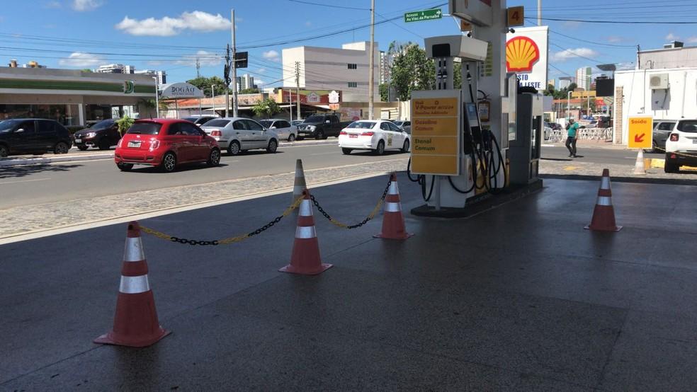 Postos já estavam sem combustível em Teresina nesta sexta (25) (Foto: Lorena Linhares/G1)