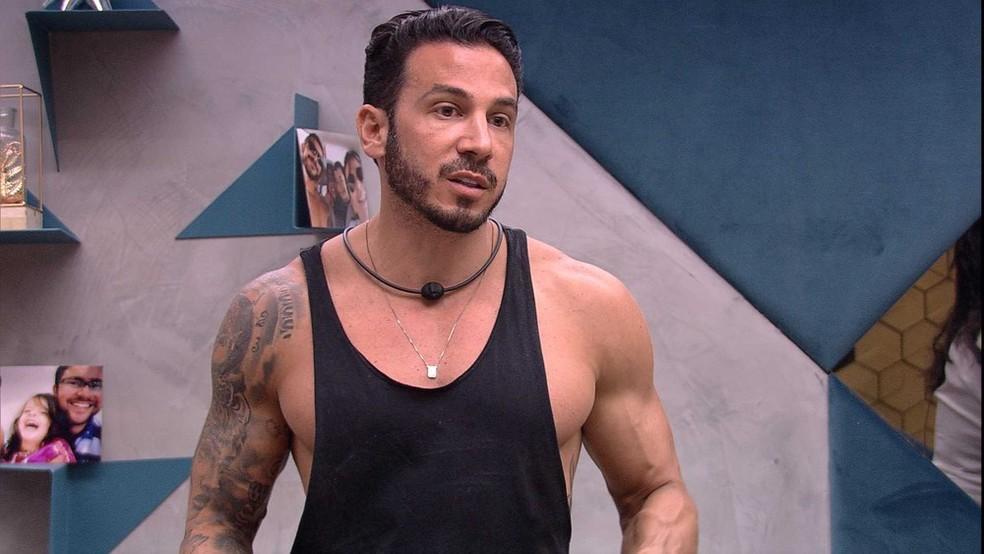 Gustavo não quer ser vetado da Prova do Líder — Foto: TV Globo