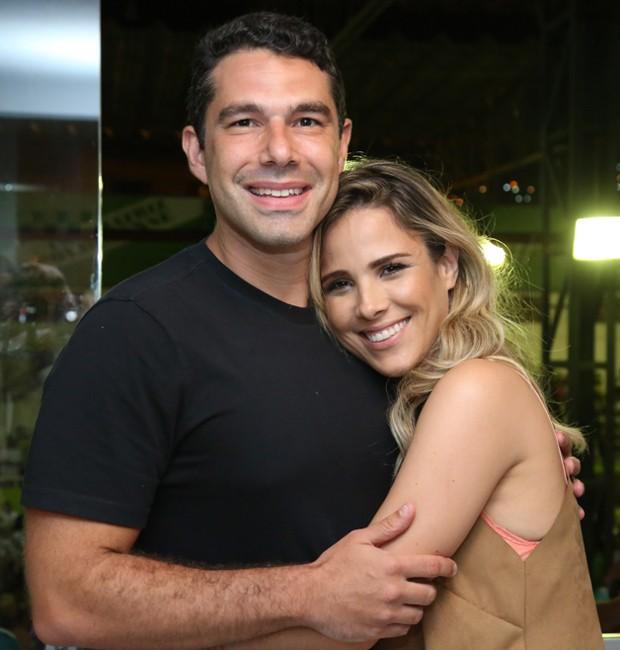 Wanessa Camargo curte ensaio de Carnaval com o marido - Quem | Rio de  Janeiro