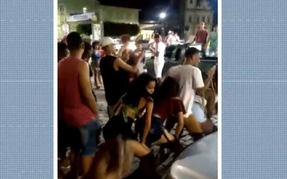 Moradores de São Félix fazem festa durante o final de semana.  — Foto: Reprodução / TV Bahia