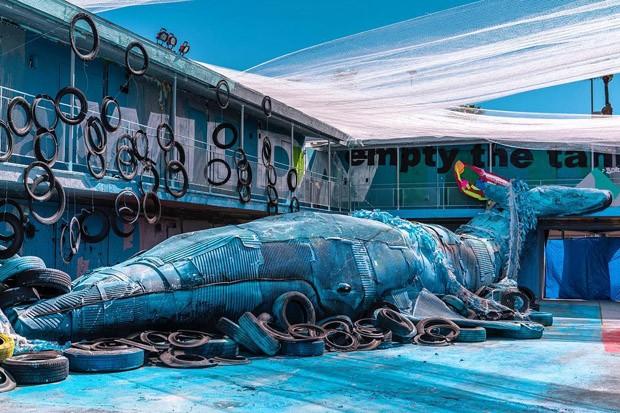 Artista plástico cria animais gigantes feitos com sucata (Foto: Reprodução)