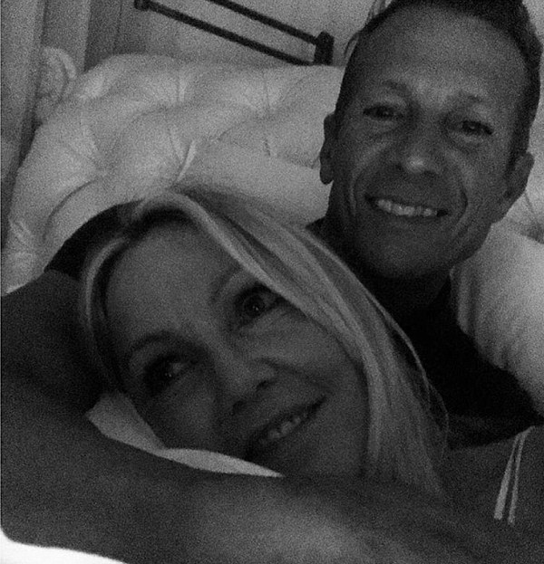A foto da atriz Heather Locklear e o namorado Chris Heisser (Foto: Instagram)
