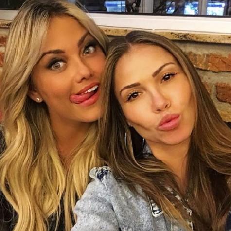 Ellen Rocche com a irmã, Iza (Foto: Reprodução)