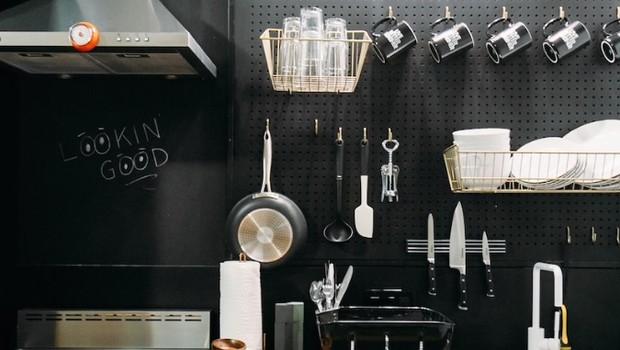A cozinha dentro de cada um dos apartamentos (Foto: Divulgação)