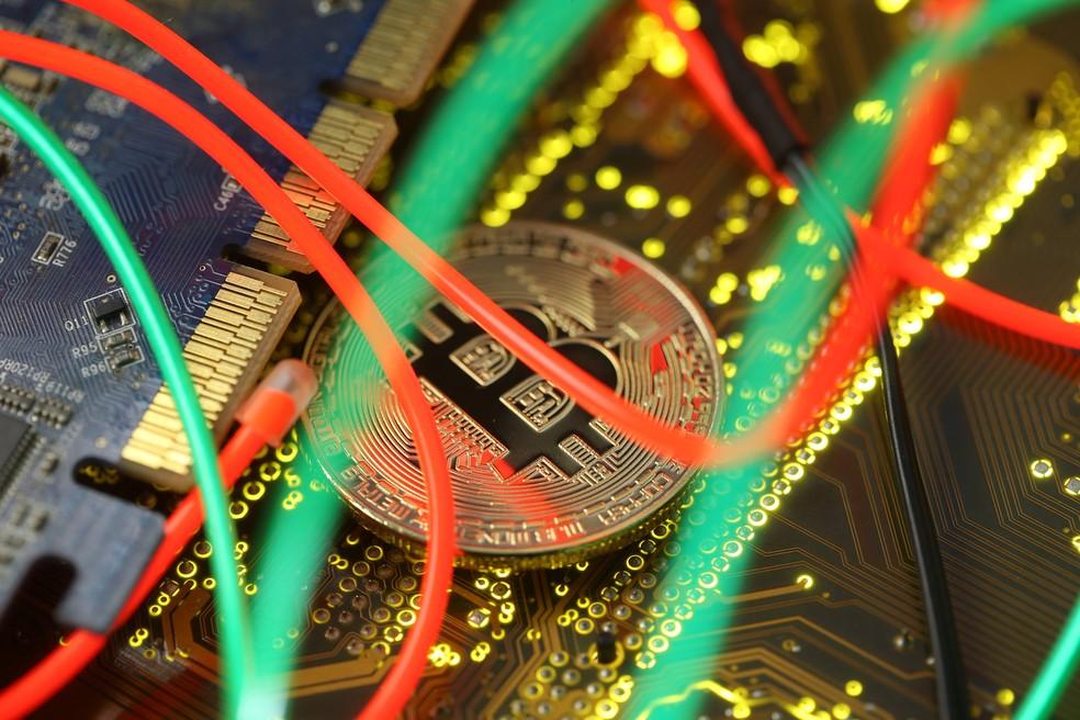 Roubo de todas as criptomoedas somou US$ 1,7 bilhão em 2018, segundo relatório. — Foto: Reuters/Dado Ruvic